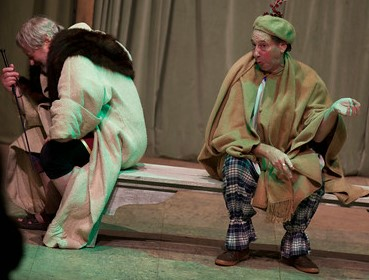 Lear and fool on bench (2)