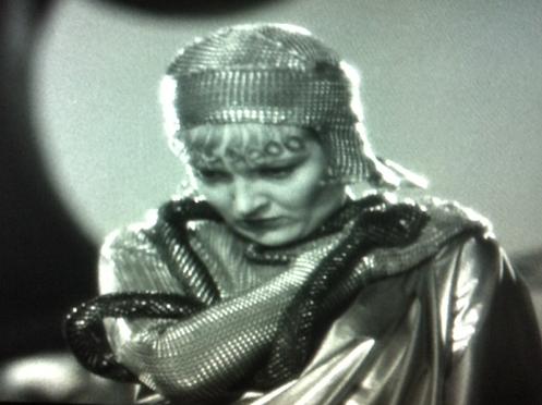 Verree Teasdale as Hyppolyta.
